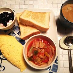 野菜スープ/おうちごはん/nagomiさん作品4点/ベリーコテージ産ブルラズジャム/わたしのごはん オハヨー☀ 今朝は昨晩こぐまさんが作って…