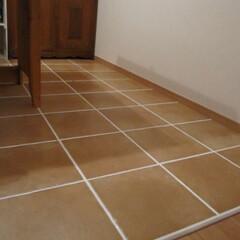 グラインダー/タイル張り/テラコッタタイル/ダイニング/リフォーム/DIY/... ダイニングスペースの床に テラコッタタイ…