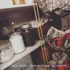 籐かご/手作りキッチンカウンター/コンビニ袋収納/キッチンカウンター/ホワイトインテリア/フレンチカントリー/...   こんにちは〜☺️    寒…