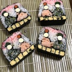 ひな祭り 初めての飾り巻き寿司^_^