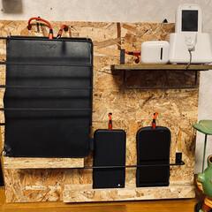 充電コーナーをDIY/充電コーナー 我が家には 携帯3台、kids携帯、Ai…(2枚目)