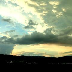 映画/天気の子/雲/夏/夕日/空/... 夏の日没後🌅 『天気の子』のワンシーンみ…