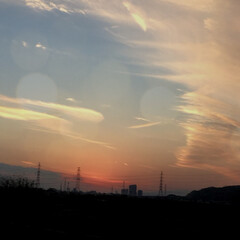 冬/晩秋/美しい/綺麗/夕焼け/フォロー大歓迎 車からみた景色!! 筋雲??みたいなのが…