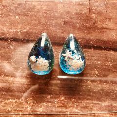 星の砂/琉球ガラス/琉球ガラスカレット/雫型/レジンアクセサリー/レジン/... 後は金具の取り付け(╹◡╹)