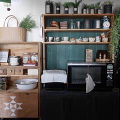カフェ風/見せる収納/りんご箱/器/グリーン/DIY/... 賃貸アパートの狭くて陽当たりの悪い暗いキ…