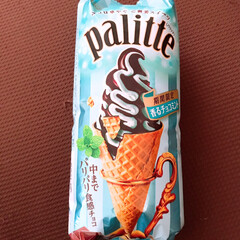 アイス/チョコミント/雨季ウキフォト投稿キャンペーン/おすすめアイテム/令和の一枚/はじめてフォト投稿/... おやつ🍦 夏はチョコミント商品が増えますね