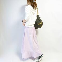 着回しコーデ/秋コーデ/カジュアルコーデ/スウェットコーデ/GU/ファッション GUの白スウェット😌🎵  去年買ったアイ…