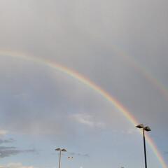 空/虹/天気/パワースポット 久しぶりに虹を見ました。 雨が降ったり、…