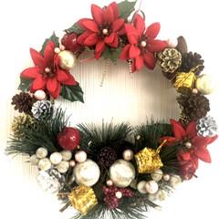 松ぼっくり/リース/クリスマス/ハンドメイド/100均/ダイソー 前にUPした松ぼっくりにようやく色づけを…