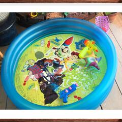 孫ちゃん/プール/水遊び/玄関 本日、梅雨明けしました🌞🌞 これから、夏…