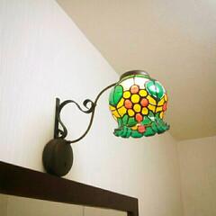 金魚鉢/セリア/ダイソー/ガラス絵の具/ステンドグラス風/壁掛けライト/... セリアの金魚鉢、ブラケットフック、ダイソ…