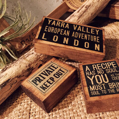 木製雑貨/アルファベットオブジェ/マグネット/男前インテリア/冷蔵庫/キッチン雑貨/... 主役級マグネット。 木の香りハンパないで…