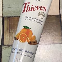 ホワイトプラス/オレンジ/ヤングリビング/ヤングリヴィング/ホワイトニング/歯磨き粉 エッセンシャルオイルが入った歯磨き粉。良…