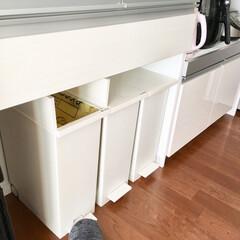 スッキリ化計画/スッキリ/ラベリング/ホワイト雑貨/ホワイト/ぴったり収納/... 我が家のキッチンゴミ箱♡   我が家は、…