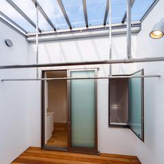 浴室/洗面室/屋根/ガラス/物干し/中庭/... ■haus-flow■ 第二の中庭でもあ…