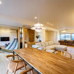 家具/設計事務所/設計/住まい/ダイニング/リノベーション/... ダイニングを挟んでメインのリビン…(1枚目)