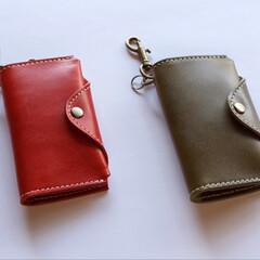 キーケース/ハンドメイド/レザークラフト/レザー/革小物/革製品 革小物職人holaさんのキーケースをha…