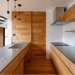 設計事務所/設計/パントリー/住宅/オリジナル家具/オリジナルキッチン/... フローリングやドアに合わせてタモ材のオー…