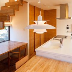 階段/階段下/カウンター/フォロー大歓迎/キッチン/インテリア/... 階段下の空間を利用してキッチンPCカウン…