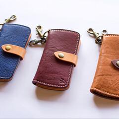 革製品/革小物/レザー/レザークラフト/ハンドメイド/キーケース 革小物職人 holaさんのキーケースを …