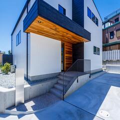 エクステリア/デッキテラス/ウッドデッキ/玄関ドア/玄関/外観デザイン/... 外観とデッキテラス♪ : ■haus-…(6枚目)