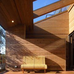 livingroom/DESIGN/HOUSE/interior/ウッドデッキ/テラス/... 再び、インナーデッキテラスの軒天が内部に…(2枚目)