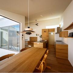 ch33/北欧/北欧インテリア/家づくり/戸建て住宅/設計事務所/... ダイニングテーブルとCH33×2脚はフロ…