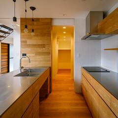 設計事務所/設計/家づくり/パントリー/ファミリークローゼット/シューズクローゼット/... 玄関–キッチンの間にはシューズクローゼッ…