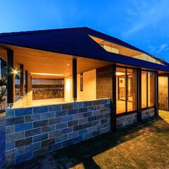 庭づくり/外構/外観/玄関/住宅/設計/... ■haus-ubud■ 夕景の外観♪