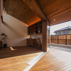 livingroom/DESIGN/HOUSE/interior/ウッドデッキ/テラス/... 再び、インナーデッキテラスの軒天が内部に…