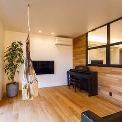 家具/設計事務所/設計/住まい/ダイニング/リノベーション/... ダイニングを挟んでメインのリビン…(3枚目)