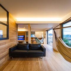 家具/設計事務所/設計/住まい/ダイニング/リノベーション/... ダイニングを挟んでメインのリビン…(2枚目)