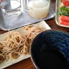 お昼ごはん/おうちごはん/定番/おそば/蕎麦/うちの定番料理 休日のお昼はお蕎麦。 信州に親戚がいるの…