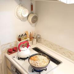夕飯/鍋料理/DIY/キッチン/100均/ダイソー/... 昨日は寒かったのでゴマ豆乳鍋にしました♪…
