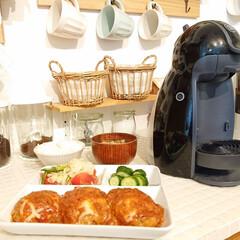 Nestle/ネスレ MD9744-PB ネスカフェ ドルチェグスト Piccolo プレミアム | ネスカフェ ドルチェ グスト(コーヒーメーカー)を使ったクチコミ「今日の夕飯は、 煮込みパパハンバーグ ト…」