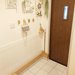 YKKAP/玄関掃除/DIY/ハンドメイド 水を流して玄関掃除しました👍 今窓を開け…