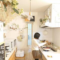 ナチュラルインテリア/夕飯/娘の手料理/DIY/食事情 夕飯を作っている様子をこっそりパシャリ📸…
