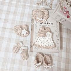 minneで販売予定です/小物/ガーランド/編み物大好き/ハンドメイド ふわふわした毛糸二種類ホワイトとベージュ…