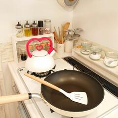 フライパン返し/調理器具/スリコ商品 スリコ商品のフライパン返しです♪ 見た目…