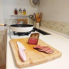 フライパン/ローストビーフ丼/DIY/キッチン/わたしのごはん 昨日の夕飯はローストビーフ丼にしました✌…