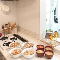 中華丼/夕飯/おうち/ごはん/おうちごはん 昨日は久しぶりに家族が揃って夕飯を食べら…(1枚目)