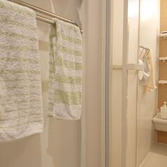 LUXRE 手桶け 洗面器 おしゃれ お風呂 椅子 クリア | ラックス(バスチェア)を使ったクチコミ「タオル新しくしました♪ 1年に1度新しく…」