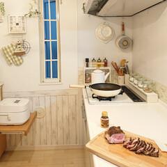 ローストポーク/夕飯/100均/DIY/キッチン/住まい/... 夕飯はローストポークを作りました。 お肉…