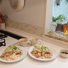 夕飯/カオマンガイ/キッチン/わたしのごはん 昨日の夕飯は炊飯器だけで作るカオマンガイ…