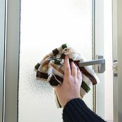 家事/掃除/窓/結露拭き 朝起きて必ずやる家事は結露拭きです。 冬…