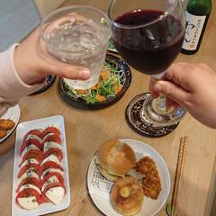Vita/ハンプ亭/ケンタッキーフライドチキン/家飲み/100均 昨日の夕飯の様子です☺️ 好きな物沢山食…