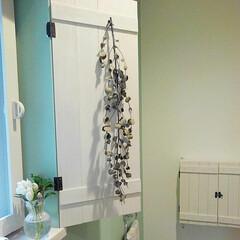 カインズホーム/板/小窓/トイレ トイレの小窓になんちゃって扉作りました♪…