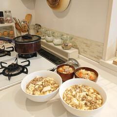 豚汁/夕飯/麻婆豆腐丼/100均/DIY/キッチン/... 昨日の夕飯は麻婆豆腐丼と豚汁にしました♪…