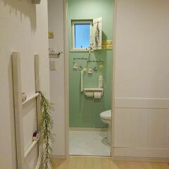 腰板風/DreamSticker/アクセントクロス/LIXIL/トイレ/DIY おはようございます♪ 我が家の一階トイレ…