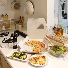 ニラ玉/ピザ/おうちごはんクラブ/キッチン/わたしのごはん 昨日の夕飯はオーケースーパーのピザお値段…